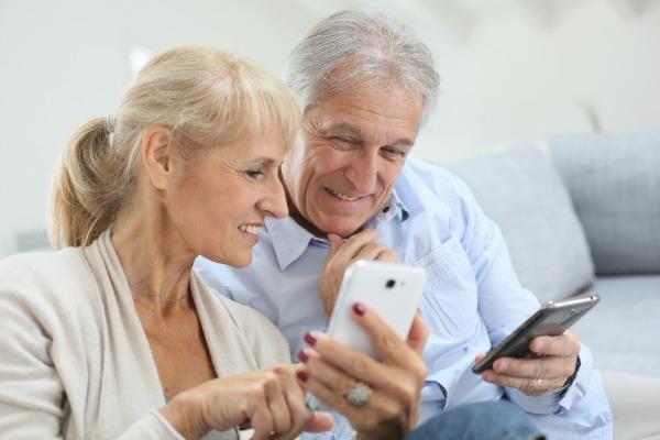 pourquoi les seniors se tournent vers les sites de rencontre